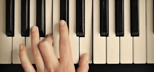 Piano Lesson   www.RedRingtones.com
