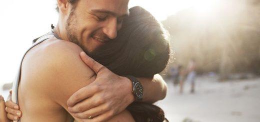 Hug Me Ringtone | www.RedRingtones.com